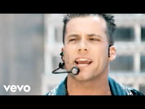 Five, Queen - We Will Rock You (Official Video)