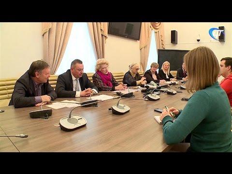 На «Вече» в Великий Новгород приедут Дмитрий Харатьян, Кристина Асмус и «человек-амфибия» Владимир Коренев