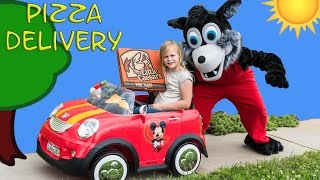 ASSISTANT Pizza Delivery with Mickey Mouse + Captain Hook and Pizza Stealing Gorilla