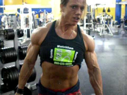 Шейла Блек тренируется в Tampa FL gym