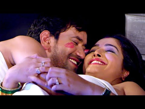 Dinesh lal Yadav & Aamarpali Dubey  Getting Cozy....