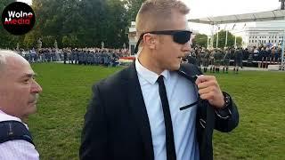 """CO ZA WREDNA BABA, KTÓRA SPOLICZKOWAŁA ZA OKRZYK """"KONSTYTUCJA""""."""