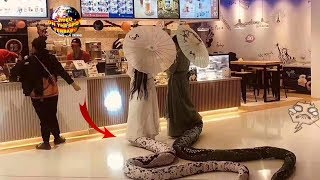 Video Dua Gadis Cantik Berekor Panjang ini Bikin Gempar Seisi Mall! Ternyata itu.... Astaga!! MP3, 3GP, MP4, WEBM, AVI, FLV Mei 2019