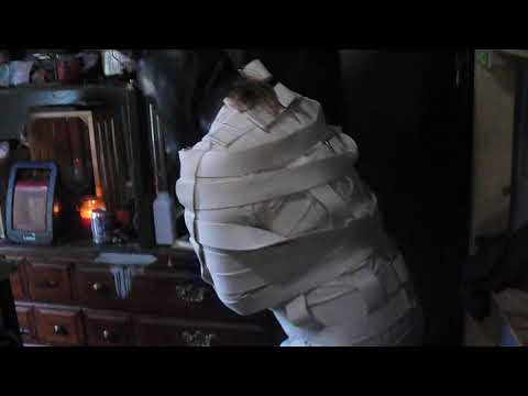 trapped in a straitjacket suit (видео)