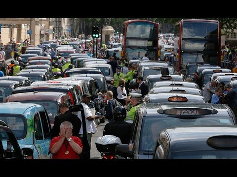 Taxi drivers paralyze cities in first ever anti-app protest