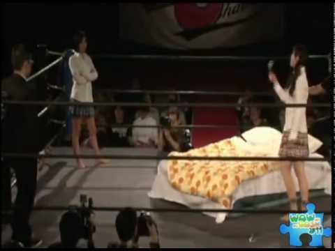 Japanese catfight on a ring (видео)
