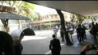 Após as manifestações na Praça Sete, houve conflitos entre manifestantes e policiais militares, que usaram bombas de efeito moral para dispersar a multidão. ...