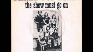 Three Dog Night - The Show Must Go On