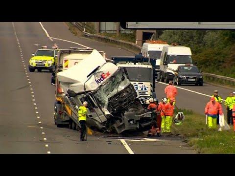 Βρετανία: Σφοδρή καραμπόλα με 8 νεκρούς, 4 τραυματίες