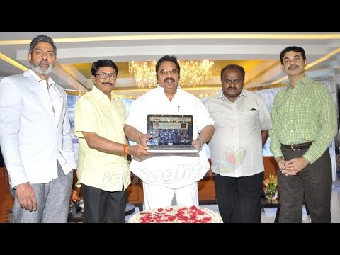 Hyderabad-Film-Club-Launches-Website-on-Jagapathi-Babus-hands