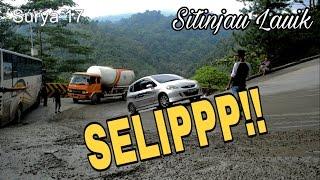 Video Jalan Licin Bikin Mobil Slip di Sitinjau Lauik MP3, 3GP, MP4, WEBM, AVI, FLV Oktober 2017