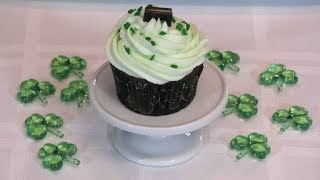 Minty Chocolate Cupcakes -- Lynn's Recipes St. Patrick's Day