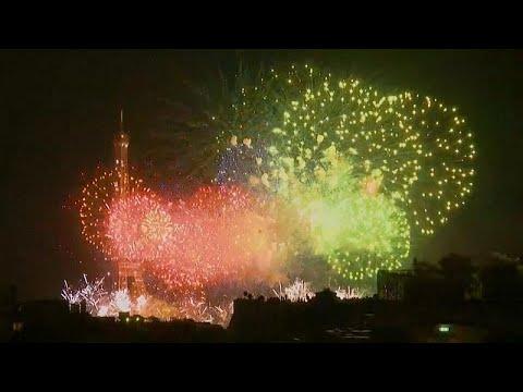 Γαλλία: Μισή ώρα πυροτεχνημάτων για την Άλωση της Βαστίλης…