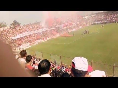 Hinchada y no cagada! San Martín de tucuman equipo que juega en la 3 divison del fútbol argentino - La Banda del Camion - San Martín de Tucumán