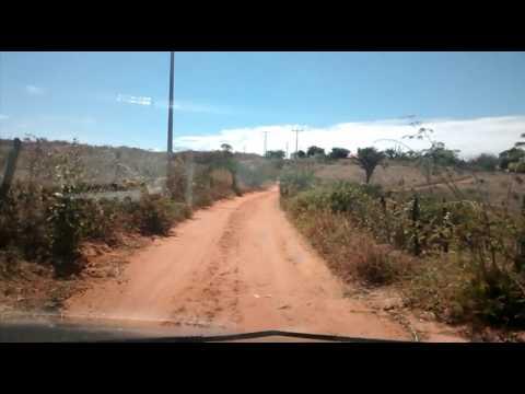 Josemar Feron vista a comunidade de Capinal Salvador no município de Malhada de Pedras Ba.