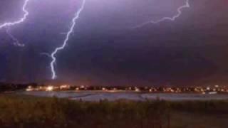 AC/DC - Thunderstruck (lyrics Inside Discription)