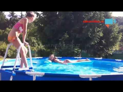 dnes zkousely holky novy bazen