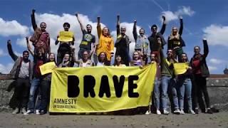 Be BRAVE, sei MUTIG, sois COURAGEUX and step up for Human Rights! AMNESTY YOUTH Switzerland (www.amnestyyouth.ch) s'engage dans la Campagne BRAVE, pour protéger les défenseurs et défenseurs des droits humains. Toi aussi, montre ta bravoure et signe les pétitions : Pour Azza Soliman : https://www.amnesty.ch/fr/pays/moyen-orient-afrique-du-nord/egypte/docs/2017/petition-azza-soliman/action Plus d'infos sur la campagne : https://www.amnesty.ch/fr/themes/defenseurs-des-droits-humains/docs/2017/hausse-attaques-contre-defenseurs-droits-humains Rejoindre gratuitement AMNESTY YOUTH : www.amnestyyouth.ch******Auf Deutsch******Be BRAVE and step up for Human Rights!AMNESTY YOUTH Switzerland (www.amnestyyouth.ch) engagiert sich im Rahmen der BRAVE-Kampagne für den Schutz von Menschenrechtsverteidigern.Auch du kannst deinen Teil beitragen! Zeig uns deinen Mut und werde aktiv:Für Azza Soliman: https://www.amnesty.ch/de/laender/naher-osten-nordafrika/aegypten/dok/2017/petition-azza-soliman/aktion Weitere Infos zur Kampagne : https://www.amnesty.ch/de/themen/menschenrechtsverteidiger/dok/2017/einsatz-fuer-menschenrechte-gefaehrlicher-denn-je Werde kostenlos Mitglied bei AMNESTY YOUTH: www.amnestyyouth.ch