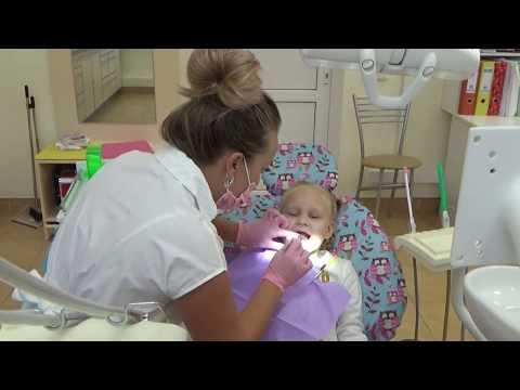 Алиса идёт лечить зубки !! Записали Алису на развивающие занятия ! Алиса купила новую куклу (видео)