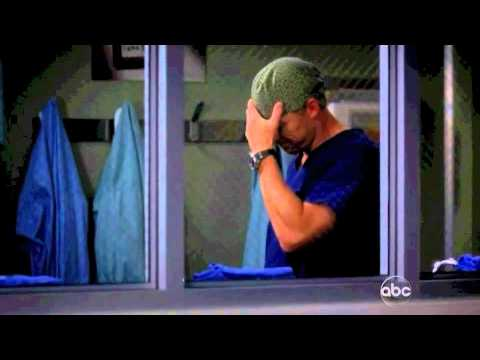 Grey's 8x09 Owen comforting Cristina
