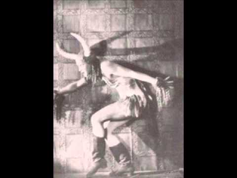 Tekst piosenki Helen Humes - Between the Devil and the Deep Blue Sea po polsku