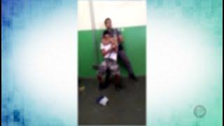 Policial que deu 'gravata' em adolescente é afastado pelo comando da PM