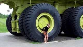 Look At The Size Of This Truck, Damn!