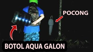 Video Hit the head of a pocong ghost with a bottle MP3, 3GP, MP4, WEBM, AVI, FLV Agustus 2019