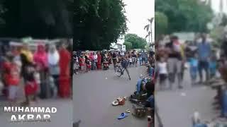 KOCAK!!Monyet Naik Sepeda Mini di Alun Alun Kota PROBOLINGGO