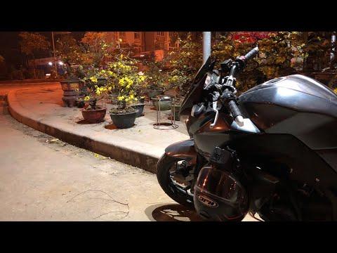 Z300 dạo phố ngắm hoa ngày tết và gặp tai nạn giao thông (  watching Tet flower market in Vietnam) - Thời lượng: 10 phút.