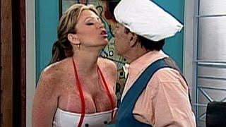 A Que Te Ríes - Navarrete Y Sabrina Como Una Sexy Cocinera