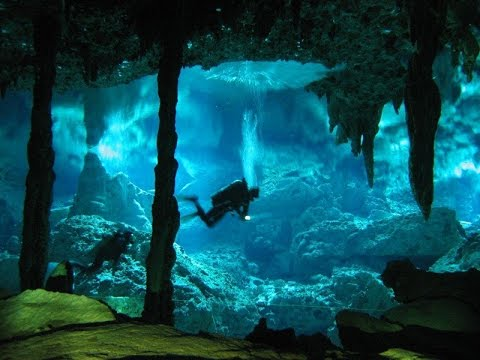 Extreme Deep Underwater Caves Diving(2014)- Archaeologists and cave divers explore 'blue holes' in the Bahamas, uncovering fossils, cave-ins, and human remains