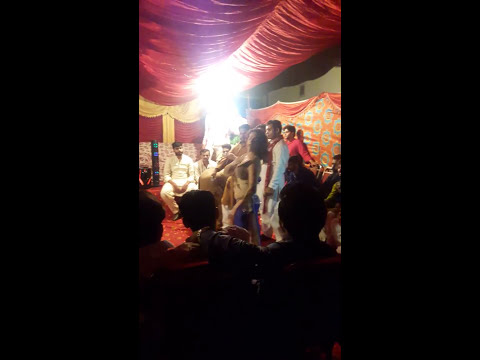 Mujra hot wedding dulha ko fire lag gae mauke pe dulha fot