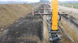 Video Liebherr 924 Gasleitung Tieferlegen Ins Gampelen MP3, 3GP, MP4, WEBM, AVI, FLV Februari 2019