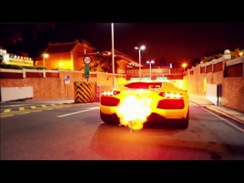 Aventador Shooting FLAMES! LOUD Sound in Tunnel! - 1080p HD