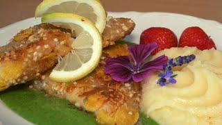 Knuspriges Fischfilet auf grüner Sauce und Selleriepüree