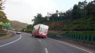 Karak Malaysia  city photo : Malaysian Bus Driver Drifting at Karak Highway !