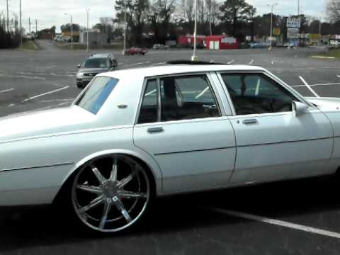 chevy caprice with 26's and beat for sale $9500