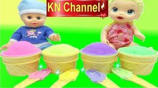 KN Channel mới mua được 4 ly kem surprise toy ice cream rất ngon lành. Nhưng không phải là những ly kem bình thường đâu,...