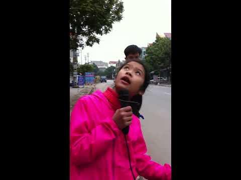 Bé gái hát rong tại TP. Bắc Giang cực hay (2015)