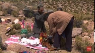 Agradecimientos a Sur Imagen & Editorial Achacachi Pueblos Originarios es una serie documental construída sobre la siguiente premisa: