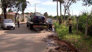 Carros abandonados nas ruas de Sorocaba são recolhidos pela Urbes