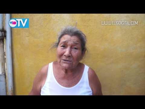 Entrega de paquetes alimenticios a madres de héroes y mártires de Nindirí