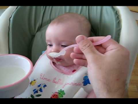 Brooke's first cereal – how to feed a baby cereal