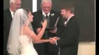 Video Incroyable !! Future mariée à pris un fou rire et ne sais plus s'arreter MDR... MP3, 3GP, MP4, WEBM, AVI, FLV Juni 2017