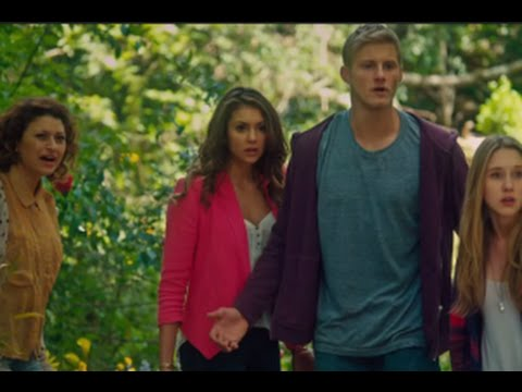 Scream Queens Season 1 Episodes 12 & 13 Review w/ Glen Powell | AfterBuzz TV
