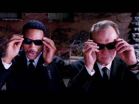 Men In Black 3 (2012) DVDrip 700mb