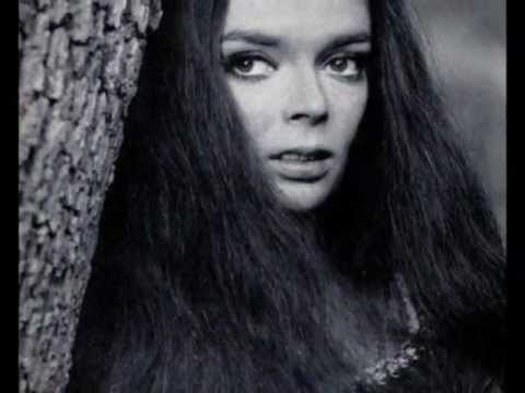 Barbara Steele hqdefaultjpg