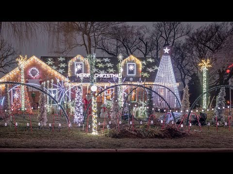 Christmas on Cleveland is a Wilmette winter wonderland
