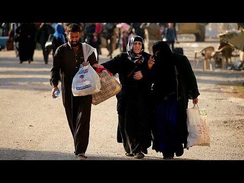 Ιράκ: Πρόχειροι καταυλισμοί φιλοξενούν τους αμάχους που εγκαταλείπουν τη Μοσούλη